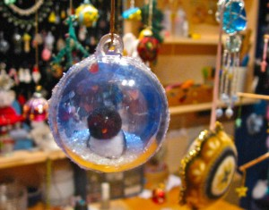 snowglobes with penguins,